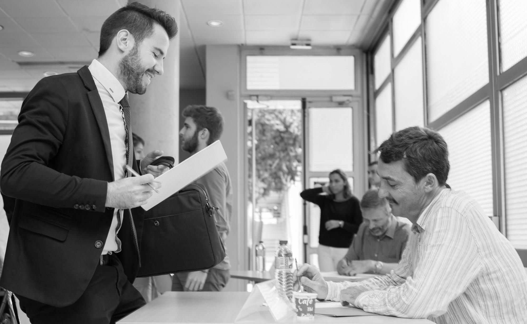 Contrat de professionalisation, job-dating, rencontres métiers, forum des stages et de l'apprentissage... L'université entretient des liens étroits avec le monde de l'entreprise